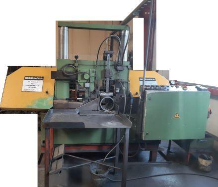 Gebrauchte Hochleistungs- Produktions- Bandsägemaschine  mit 4,5m Rollenbahn Behringer HBP 420 A
